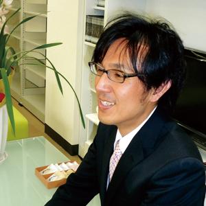 佐藤貴之教授写真